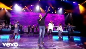 Donnie McClurkin – There Is God (Live)